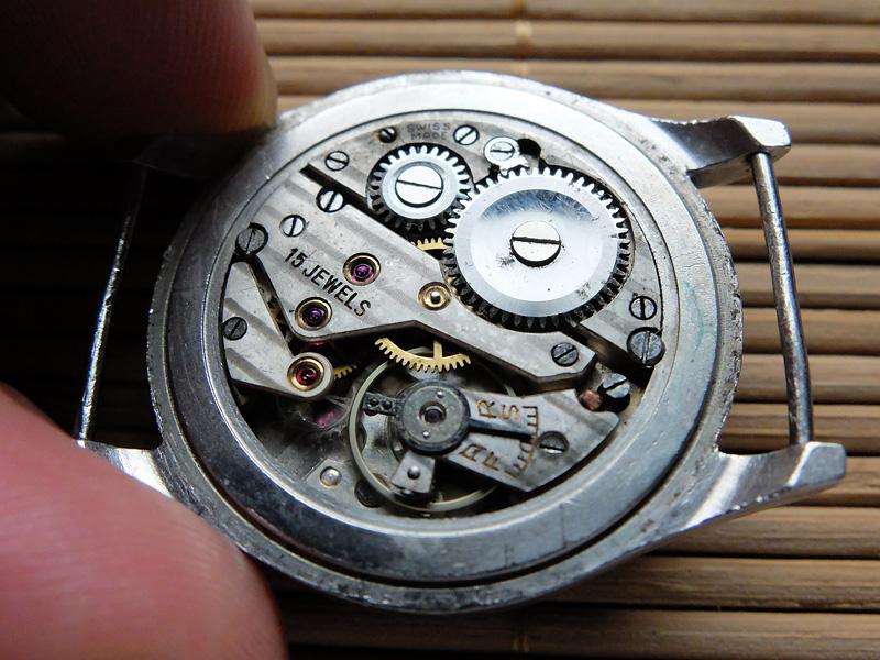 51f4efd59a6f8f Zegarek jak zegarek, ja akurat lubię takie sterane życiem, pytanie czy to  miało albo mogło mieć coś wspólnego z wojskiem.